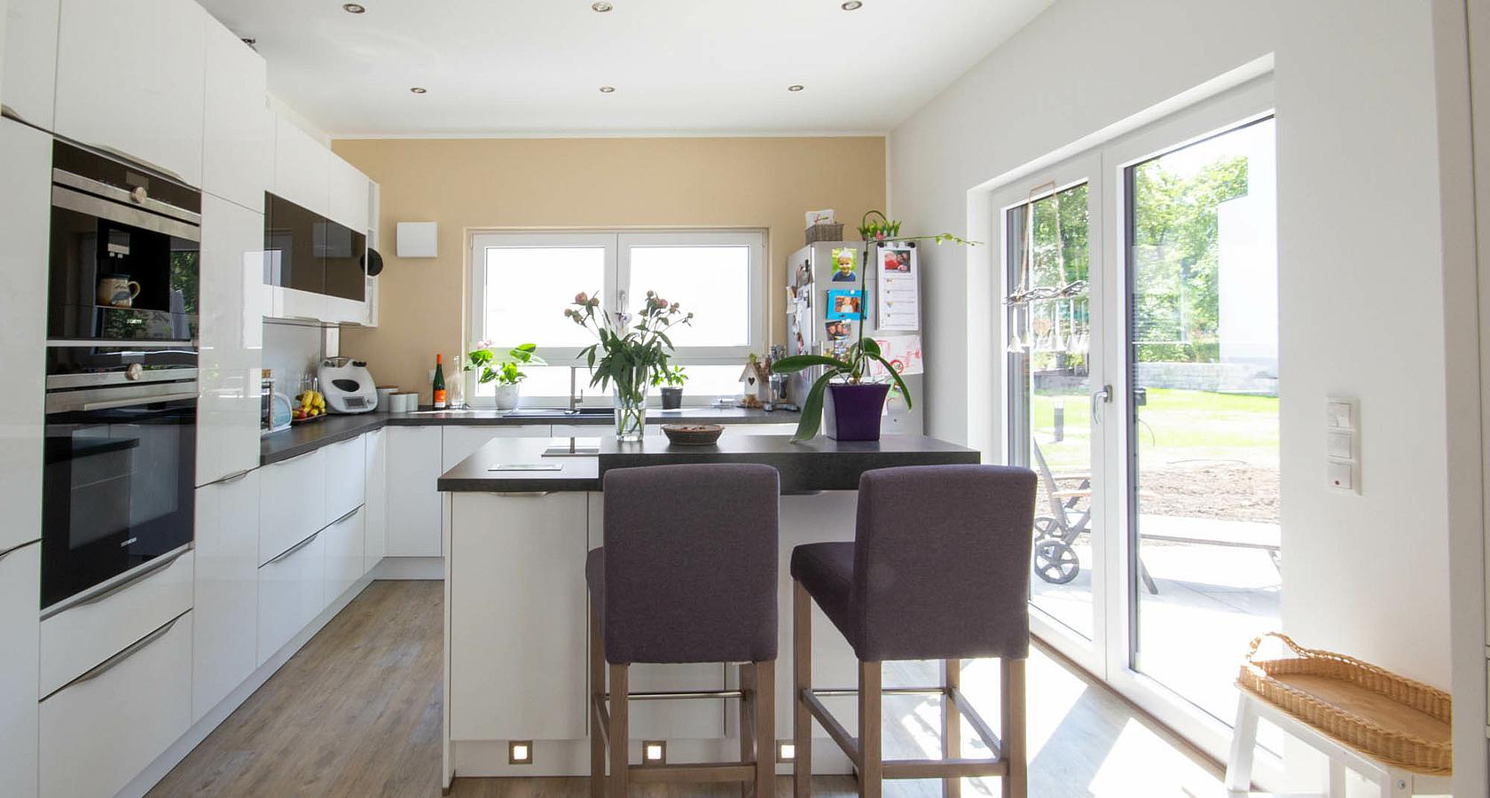 kern haus den traum vom eigenheim verwirklichen. Black Bedroom Furniture Sets. Home Design Ideas