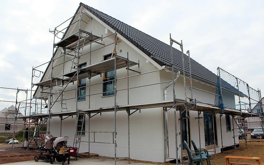bautagebuch traumhaus mit solarpanelen entsteht in magdeburg diesdorf. Black Bedroom Furniture Sets. Home Design Ideas
