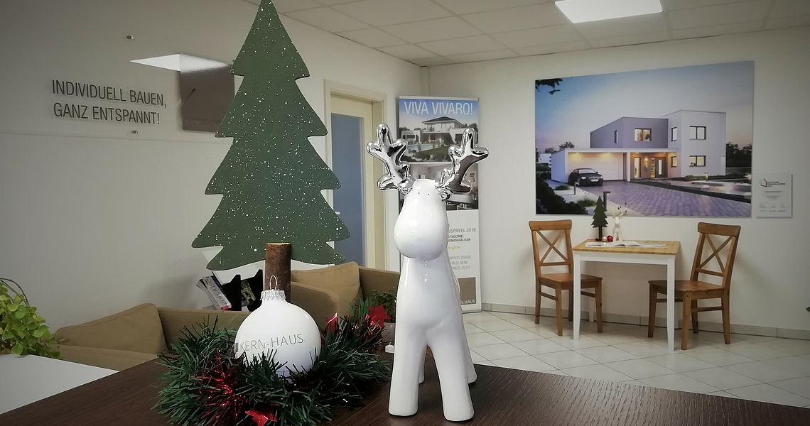 kern haus kern haus ludwigshafen w nscht frohe weihnachten. Black Bedroom Furniture Sets. Home Design Ideas