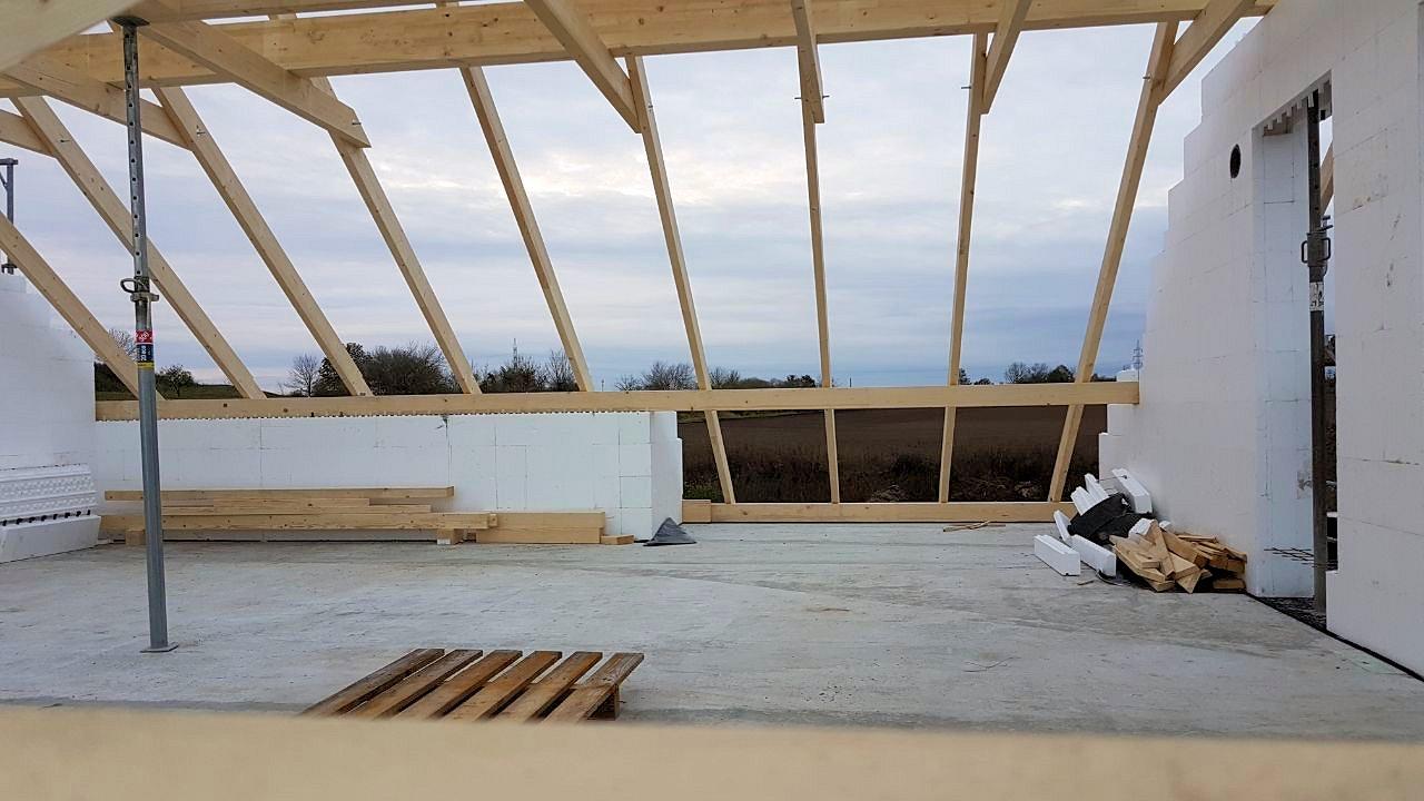 Bautagebuch - Satteldachhaus mit großem Erker und überdachter Terrasse